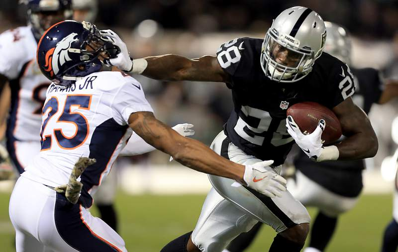 Live chat with Lowell Cohn Saturday 12pm – Raiders in the playoffs!